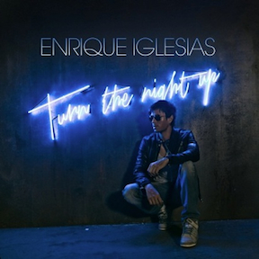 Enrique Iglesias premieres video for Heart Attack